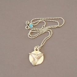 Kolibri mit Silberkette